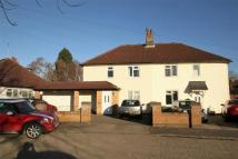 5 bed Detached property to rent in 34 Manor Way, Uxbridge