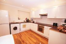 5 bed semi detached house to rent in New Peachey Lane...