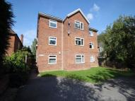 1 bed Ground Flat in 49 Station Road...