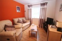 Flat to rent in Waterside, Uxbridge