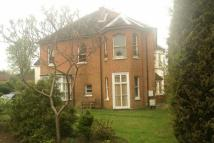 1 bedroom Flat in Pyrcroft Lane, Weybrdige