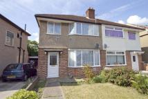 3 bedroom property in Falling Lane, Yiewsley...