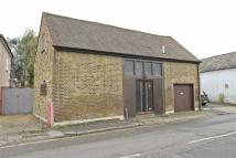 3 bed Barn Conversion in Cranford Lane...