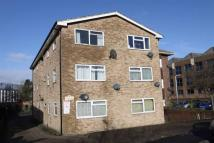 Studio flat in Trout Road, Yiewsley...