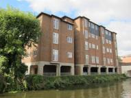 2 bed Flat to rent in High Street, Yiewsley...