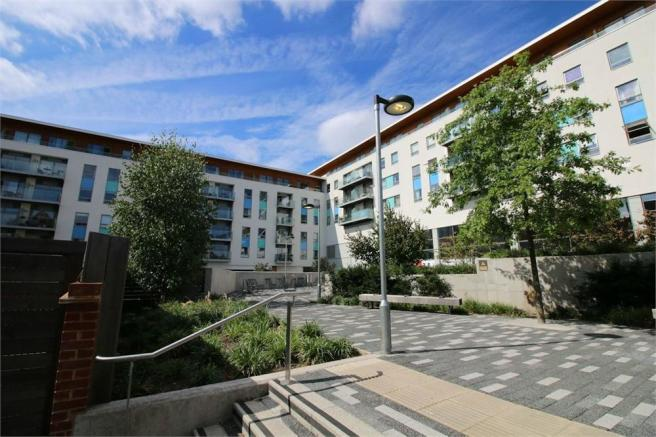 2 Bedroom Apartment For Sale In Derry Court 386 Streatham High Road London Sw16
