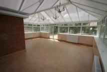 5 bedroom Detached house to rent in Doddinghurst Road...