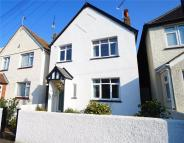 3 bedroom Detached house in Cecil Road, Gravesend...