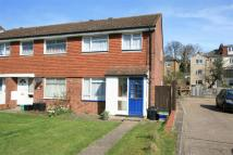 3 bedroom Detached home in Cheveney Walk, Bromley...