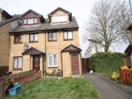 2 bedroom Maisonette in CHIGWELL, IG7, Essex