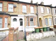2 bed Flat in Forest Gate, E7, London