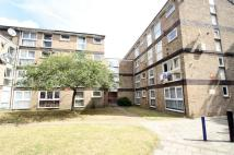 Flat to rent in Saints Drive...