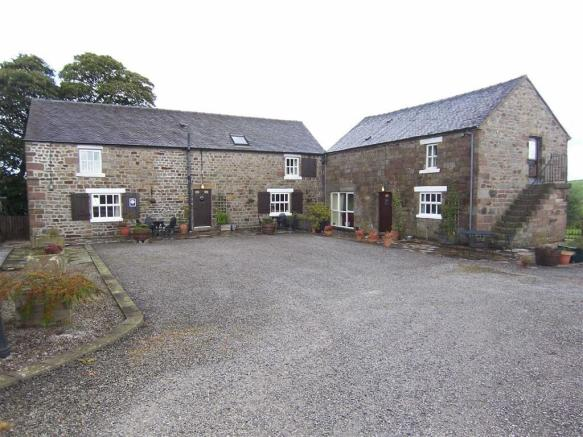 HOLIDAY COTTAGES - S