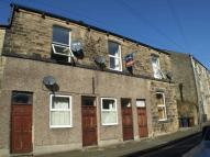 Flat to rent in High Street, New Mills...