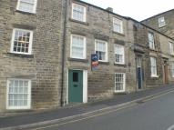 Flat to rent in Market Street, New Mills...
