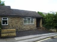 Ground Flat to rent in Albion Road, New Mills...