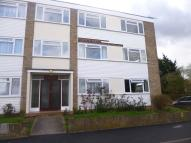 2 bed Ground Flat in Sackville Crescent...