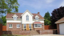 4 bedroom Detached home in Lower Farm Road...