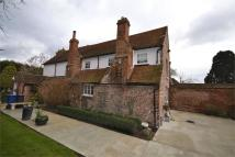 7 bed Detached house for sale in Dunstable Road...