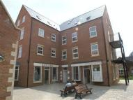 Flat to rent in Millstream Square...