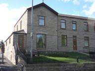 2 bedroom End of Terrace property to rent in Anne Street, Batley
