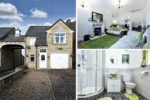 3 bedroom Detached property in Moor End Lane, Dewsbury...