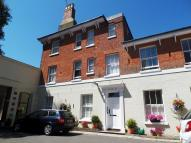 3 bedroom Apartment in East Row Mews...