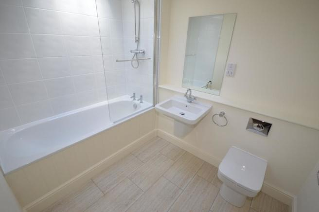 Bathroom House to re