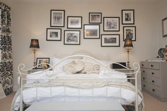 Bedroom Cottage in E