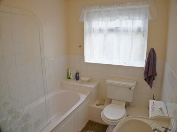 Bathroom Bungalow in