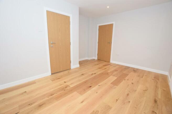 Bedroom 1 Flat in Mi
