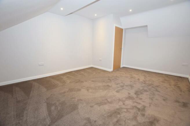 Bedroom Flat in Midd