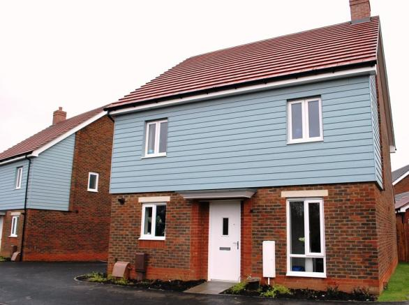 4 Bedroom Detached House For Sale In Bulbeck Way Milton