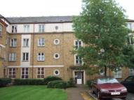 Flat in Chiltern Court Avonley...