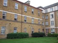 2 bedroom Flat to rent in Chiltern Court Avonley...