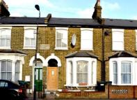 3 bedroom Terraced house in Hunsdon Road,  London ...