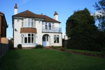 Detached home to rent in Hythe Road Willesborough...