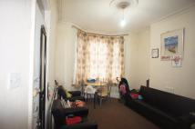 Ground Flat in Heigham Road, London, E6