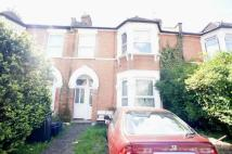 2 bed Ground Flat for sale in Douglas Road, Ilford...