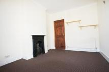 Flat in Gillett Avenue, London...