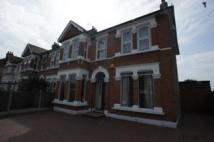 8 bedroom End of Terrace home in Green Lane, Ilford, IG3