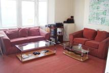 3 bedroom Flat to rent in High Street North...