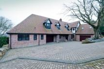 5 bed Detached property to rent in Beechcroft, Croft Lane...