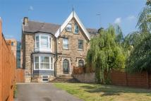 5 bed semi detached house in 20, Victoria Road...