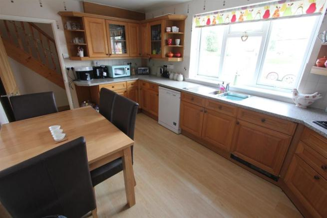 Dining kitchen to fr