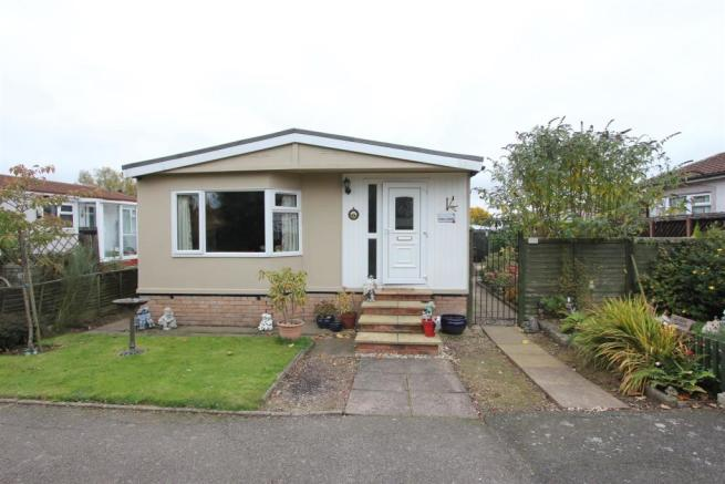 3 Bedroom Mobile Home For Sale In Springfield Park Hinckley LE10