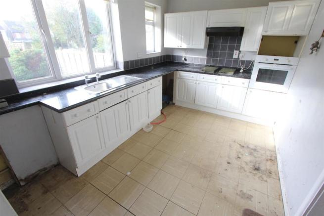 Fitted dining kitchen to rear