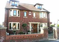 4 bedroom Detached home in Harlington Road...