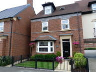 4 bed Link Detached House in Partington Square...