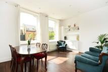 Flat to rent in Myddleton Road...